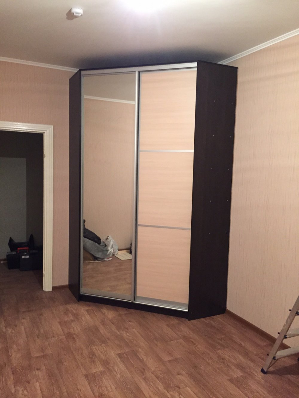 купить двери в комнату недорого